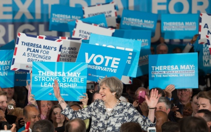 Ben0077394 © Eddie Mulholland THERESA MAY CAMPAIGNING IN BIRMINGHAM THIS EVENING.