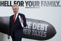 Ste0076668 © Eddie Mulholland Chancellor of the Exchequer Philip Hammond, and David Davis, Secretary of State for Exiting the European Union, speaking at a campaign event in Central London
